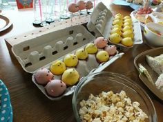 Baby chick and pig cake pops