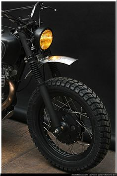 Awesome Harley Davidson photos are offered on our site. look at this and you wont be sorry you did. Motorcycle Headlight, Retro Motorcycle, Suzuki Motorcycle, Motorcycle Types, Ducati Scrambler Custom, Motos Yamaha, Custom Motorcycles, Custom Bikes, Custom Cafe Racer