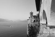 Un piccolo viaggio a Santa Caterina del Sasso, l'eremo sulla sponda Varesotta del Lago Maggiore  http://www.colomboclaudio.com/site/gallery/reportage/santa-caterina-del-sasso-aprile-2013/