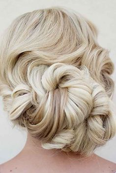 hair styles for long hair down hair ideas hair styles long hair down hair jewellery for wedding hair hair bun styles wedding hair dos hair stylists Short Wedding Hair, Wedding Hair And Makeup, Wedding Updo, Wedding Hairstyles, Hair Makeup, Bridesmaids Hairstyles, Trendy Wedding, My Hairstyle, Pretty Hairstyles