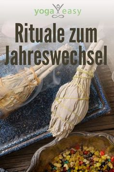 The most beautiful rituals at the turn of the year Gewohnheit schaffen - Ayurveda Rezepte New Years Outfit, New Years Eve Outfits, Christmas And New Year, Christmas Time, How To Make Eclairs, Hocus Pokus, Astrology Numerology, Silvester Party, Natural Energy