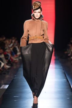 Jean Paul Gaultier \\ Haute Couture Fall Winter 2013-14 - Paris