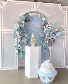 Wedding Backdrop Design, Wedding Reception Backdrop, Wedding Stage Decorations, Backdrop Decorations, Balloon Decorations, Birthday Party Decorations, Flower Decorations, Wedding Mandap, Wedding Receptions