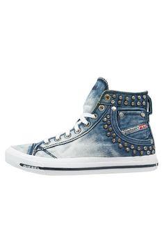 Sneaker-Trends Das sind die Must-haves im Frühling Lässigen Jeans, 2016 Trends, Denim Fashion, Outfit, Must Haves, Sneaker Trends, High Tops, High Top Sneakers, Converse