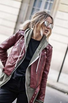100 Badass Leather Clothes For Women Leather Leggings Outfit, Leggings Fashion, Women's Leggings, Printed Leggings, Leather Outfits, Leather Jacket, Badass Outfit, Badass Style, Spy Outfit