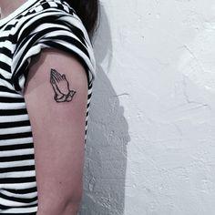 #pray Tattoo work question: Kakaotalk ID-Dhkp . . #korea#koreatattoo#tattoo#tattoos#tattooart#tattoowork#linetattoo#drawing#ilust#dark#tattooflash#ilustration#tattooflash#traditionaltattoo#blackwork#blackworker#watercolor#watercolortattoo#minitattoo#blackinkmag#blacktattoomag#타투#라인타투#타투도안#홍대타투#일러스트#타투플래쉬#드로잉#타투디자인#행크타투#감성타투#수채화타투#미니타투