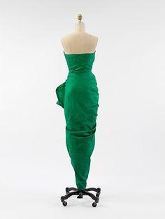 Evening dress Design House: House of Balenciaga (French, founded 1937) Designer: Cristobal Balenciaga (Spanish, Guetaria, San Sebastian 1895–1972 Javea) Date: 1946 Culture: French Medium: silk