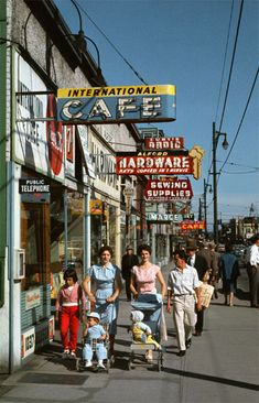 Foot traffic on Vancouver's Robson Street in 1957 #Vancouver #1950s #vintage #retro #Canada #Canadian