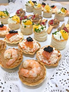 recetas de canapes frios faciles Canapes Recipes, Appetizer Recipes, Snack Recipes, Snacks, Appetizer Buffet, Cranberry Dessert, Party Food Platters, Gourmet Breakfast, Quick Appetizers