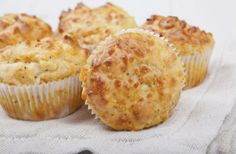 A négysajtos muffin legalább olyan finom, mint a pogácsa. Csomagolj belőle tízóraira vagy uzsonnára.
