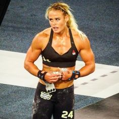 Crossfit Body, Crossfit Women, Crossfit Motivation, Crossfit Athletes, Sara Sigmundsdottir, Chico Fitness, Ripped Girls, Athletic Girls, Muscular Women