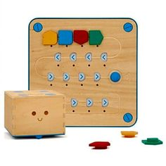 Primo-Cubetto-Childrens-Programmable-Robot-Playset-Storybook-Interface-board-map