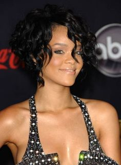 Curly hair cuts for women are here. Many pictures to check, many ideas for your curly hair cuts. Curly hair cuts styles and curly hair cuts 2012 styles here Cute Curly Hairstyles, Rihanna Hairstyles, Short Curly Haircuts, Curly Hair Cuts, Black Curly Hair, Short Hair Cuts, Curly Hair Styles, Curly Short, Black Hairstyles