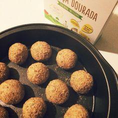 Cozinho, logo existo.: Bolinho de feijão fradinho com crosta de linhaça dourada - #segundasemcarne