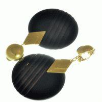 Boucles d'oreilles clips fantaisie noir http://www.laoula-bijoux.com/boucles-oreilles-clips.htm