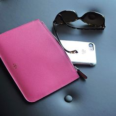 👁 Pink HAN clutch  Silver metallic iphonecase 6/7/6+/7+ . #serapaktugleathergoods #clutch #iphonecase #leather #accessories #pink #silver #aksesuar #deri #derikilif #iphonekilif #kese #canta