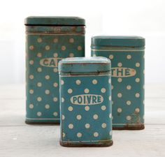 French café tins — display them as décor or use them as storage. Click the pic to find more French flea market finds [On the Blog].