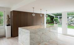 Naturstein Küchen von klassisch bis modern mit hinterleuchtetem Onyx