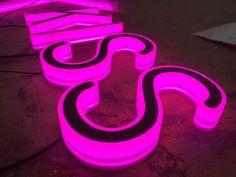 #NeonPlus