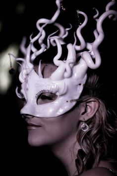 Polymorph Queen Mask - Claire Jackson