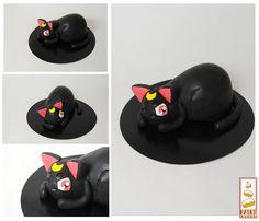 http://www.paintcakes.com sailor moon, luna, car, cake, cake design, Paint Cakes, livraison, gâteau d'anniversaire, geek, nerd, comics, manga
