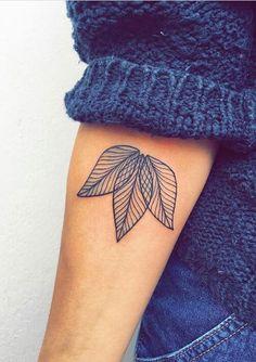 54 trendy Ideas for tattoo fonts small tatoo Hot Tattoos, Great Tattoos, Trendy Tattoos, Body Art Tattoos, Small Tattoos, Fake Tattoos, Blue Ink Tattoos, Tattoos Pics, Arrow Tattoos