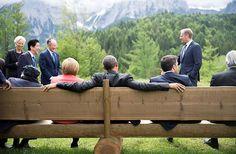 Die Mächte der Welt unter sich - Familientreffen auf der rustikalen Gartenbank