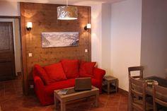 Chatel- appartement - via sunweb te boeken Ski, Couch, Furniture, Home Decor, Homemade Home Decor, Skiing, Sofa, Couches, Home Furnishings