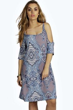No off-duty wardrobe is complete without a casual day dress. Basic bodycon dresses are always a winner and casual cami dresses a key piece for pairing with a. Boohoo Plus Dresses, Casual Day Dresses, Buy Dress, Online Shopping Clothes, Latest Fashion Trends, Cold Shoulder Dress, Bodycon Dress, How To Wear, Stone