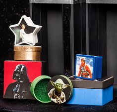 Thanks to HP® for sponsoring this article. Kids will have fun using a little paint and some photos of their favorite Star Wars characters to make make their very own Star Wars Collage Box.