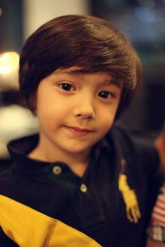 Daniel Hyunoo Lachapelle Nationality : American-Korean