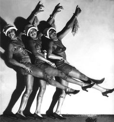 """La """"Revue Nègre"""" in Nelson-Theater, Berlin, 1932 by Hans Robertson"""