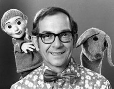 For 32 years, Ernie Coombs played Mr. Dressup and opened the doors to a world of imagination when he lifted the lid on his famous Tickle Trunk and shared in the antics of his faithful puppet friends Casey and Finnegan. My kids watched Mr. Dressup too. Order Of Canada, O Canada, History Of Television, Television Program, Vintage Television, Canadian Things, Canadian Gifts, Programming For Kids, Kids Tv