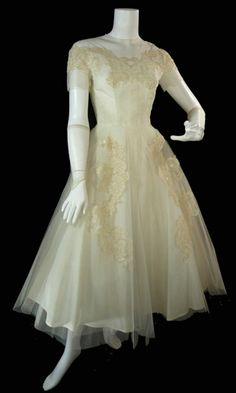 Priscilla of Boston 1950s Vintage Wedding Gown    Magical 50s vintage wedding gown from Priscilla of Boston with matching fingerless gloves!