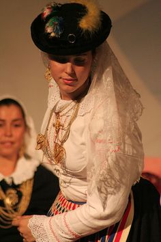 Disney Mean Girls. Visit Portugal, Spain And Portugal, Disney Mean Girls, Folk Costume, Costumes, Ansel Adams, Portuguese Culture, Famous Castles, Outfits