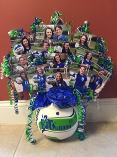 Volleyball table centerpiece cute to give to a coaches Volleyball Locker Decorations, Volleyball Crafts, Volleyball Team Gifts, Volleyball Party, Volleyball Tournaments, Volleyball Shirts, Volleyball Drills, Coaching Volleyball, Volleyball Pictures