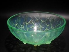 René Lalique Mint Green Opalescent Glass Gui No2 Bowl