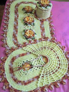 Helen's artes em Crochê: JOGO DE BANHEIRO AMARELO