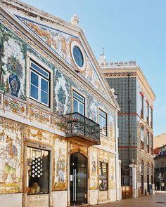 Viuva Lamego: the oldest tile maker in Portugal. Take the elevator de Santa Justa in Lisbon. Best Places In Portugal, Hotels Portugal, Porto Portugal, Visit Portugal, Spain And Portugal, Portugal Vacation, Portugal Travel, Portugal Trip, Funchal