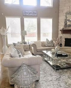 27 Cozy Living Room Decor Ideas To Copy ~ House Design Ideas Glam Living Room, Living Room Decor Cozy, Elegant Living Room, Home Decor Bedroom, Cottage Living, Master Bedroom, Living Room Color Schemes, Living Room Designs, Colour Schemes