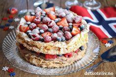 Dette er kaken du skal bake til mai Brownie Cookies, Pavlova, Waffles, Healthy Living, Cheesecake, Oreo, Snacks, Baking, Breakfast