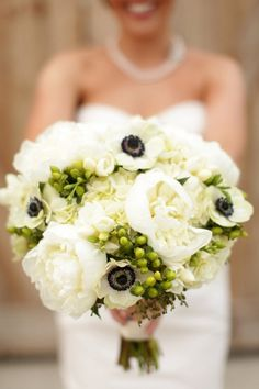 Savannah Wedding Inspirations Coastal Creative Events  http://www.creativesavannahweddings.com  Bella Grace Studios