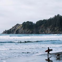 Who got outside to enjoy some sun or surf this Memorial Day weekend? . . . Repost @oregonsurfadventures #oregoncoast #surf #getoutside #freshair #pnwonderland #upperleft #traveloregon #exploregon #oregonexplored #oregon #portland #pnw #pnwisbeautiful #usoutdoor #snowwaterland