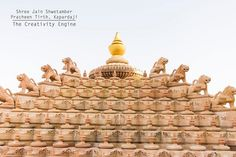 The Lions adorn the Shikhars of the temple .  A misunderstanding by Maharaja Gaj Singh of Mewar Dynasty and a reward of 500 Silver Coins led to the creation of this beautiful ancient temple. Do check out the almost complete history and architecture of Shri Jain Shwetamber Pracheen Tirth Kaparda . .  Link in Bio . #temple #art #architecture #architecturephotography #jain . #jainism #hindu #hinduism #rajasthan #kaparda . #travel #instatravel #tourism #tourist #ancientindia . #India #jalore…