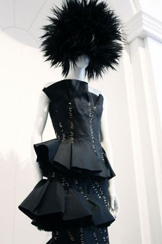 82448b3d31be Viktor   Rolf A W 08-9 (Punk  Chaos to Couture exhibition