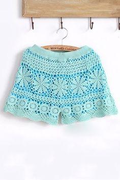 The shorts featuring symmetric floral crochet. Crochet Shorts Pattern, Crochet Pants, Crochet Skirts, Crochet Tunic, Crochet Clothes, Crochet Lace, Short Tejidos, Crochet Lingerie, Crochet Bathing Suits