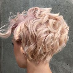 2018 Die neuesten längeren Pixie-Frisuren If you don't have the type of hairstyle in your head that you will be doing when designing your hair next, try these 2018 latest longer pixie hairstyles. This hairstyle . # hair cuts for women Curly Pixie Hairstyles, Short Curly Hair, Curly Hair Styles, Short Haircuts, Short Wavy, Wedding Hairstyles, Hairstyles 2018, Ponytail Hairstyles, Pixie Haircut Long