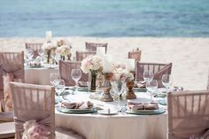 Breathtaking table décor in this Pure Glamour Memorable Moments Collection by Karisma. #beachweddings