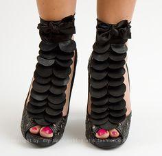 DIY PROJECT: Detachable shoe ornament self-made - Final Result Diy Fashion Hacks, Fashion Tips, Sewing Projects, Diy Projects, Online Magazine, Ornament, Beauty, Leather, Shoes