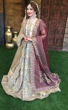 Oh my goodness 😍 Indian Bridal Lehenga, Pakistani Wedding Dresses, Pakistani Dress Design, Indian Wedding Outfits, Bridal Outfits, Indian Outfits, Nikkah Dress, Shadi Dresses, Pakistan Bridal
